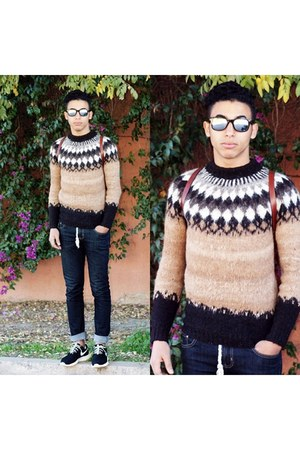 black nike shoes - navy fobo jeans jeans - brown Missoni sweater