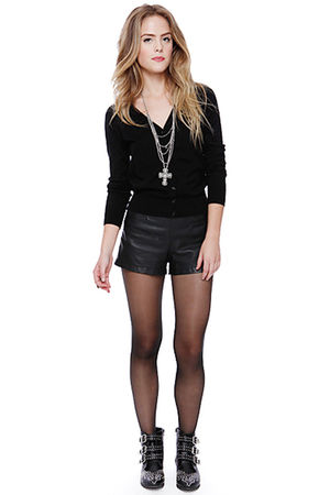 how to wear leather shorts on a night out