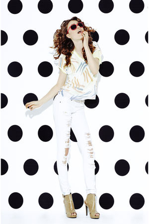 white Forever 21 pants - white Forever 21 top - beige Forever 21 shoes