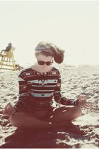 long sleeves truly madly deeply shirt - sunglasses Urban Outfitters sunglasses
