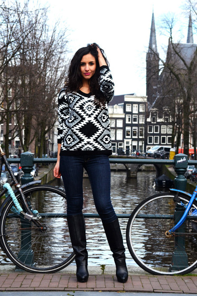 aztec Kenzaanl sweater - fold over Zara boots - high waisted Vanilia jeans