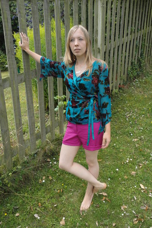 Fox Vintage shorts - kimono East blouse