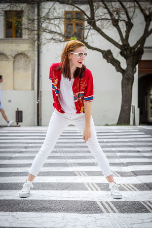white Secondhand top - white Secondhand jeans - red Secondhand shirt