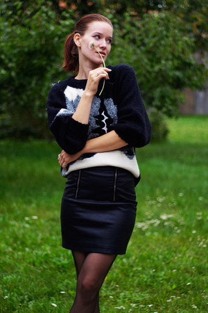 black second hand skirt - black old sweater