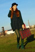 dark green second hand dress - black H&M hat - red vintage bag