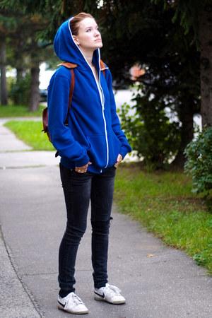 blue from boyfriend hoodie - black  jeans - white nike sneakers