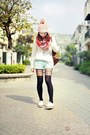 Ivory-shoes-light-pink-hat-heather-gray-tights-light-blue-shorts