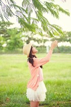 ivory skirt - light pink cardigan