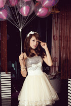 ivory cute dress - black shoes