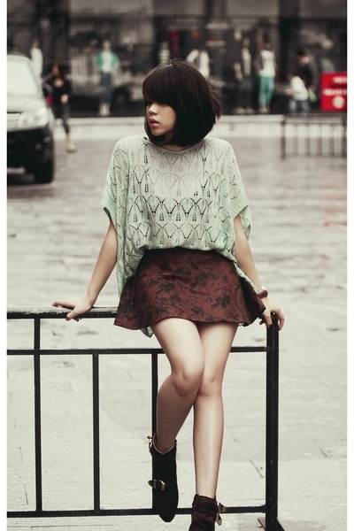 dark brown skirt - black shoes - lime green blouse