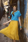 Black-classic-scarf-mustard-pleated-skirt-skirt-sky-blue-blouse-bracelet