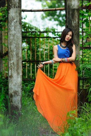 orange long skirt skirt - blue top