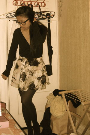 black H&M cardigan - purple Urban Outfitters skirt - black Forever21 tights