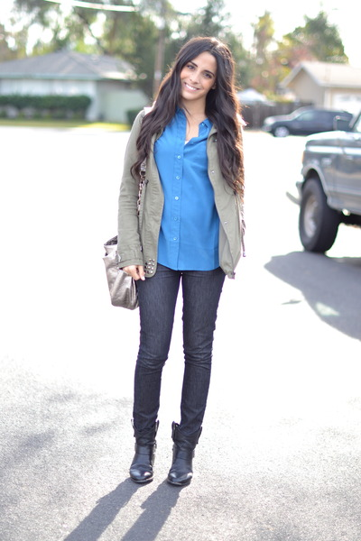 silver Elliott Lucca bag - black skinny jeans Rich and Skinny jeans