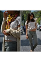 carrot orange Zara scarf - beige Stefanel sweater - cream Zara t-shirt