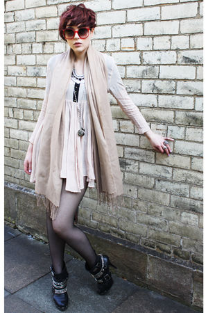 pink Topshop dress - beige vintage scarf - black Kurt Geiger boots