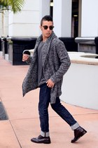 cardigan H&M sweater - leather boots - dark blue denim Zara jeans