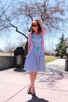 purple Fioni heels - sky blue tank ann taylor shirt
