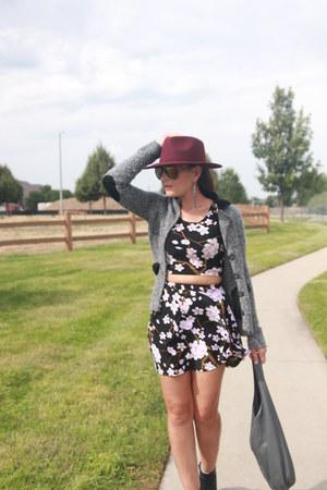 light purple floral Amazon skirt - black Old Navy boots - maroon fedora H&M hat