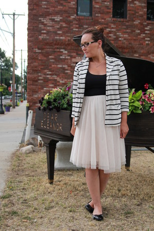 cream tulle Anthropologie skirt - white striped Forever 21 blazer