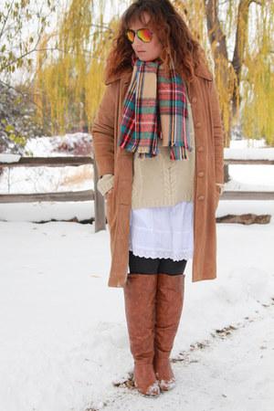 tawny suede vintage coat - tawny vintage boots - eggshell vintage sweater