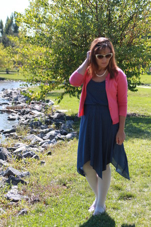 white kohls tights - navy polka dot vintage dress - hot pink thrifted cardigan