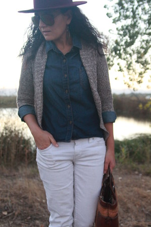 tawny studded Forever 21 boots - white jordache jeans - maroon H&M hat