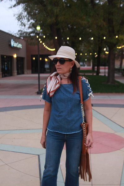 cream fedora vintage hat - navy cropped frayed H&M jeans