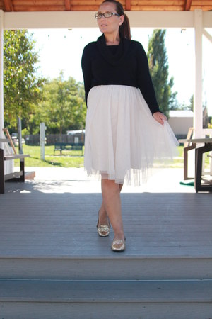cream tulle thrifted skirt - black kohls sweater - gold sequined Target flats