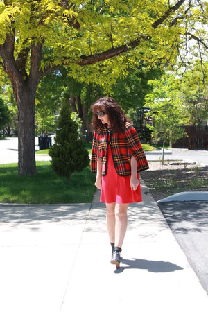 red Old Navy dress - black mules vera wang shoes - red plaid vintage cape