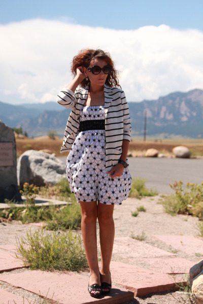 white floral kohls dress - black striped thrifted blazer