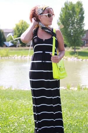 navy striped maxi Old Navy dress - black thrifted scarf - yellow thrifted bag