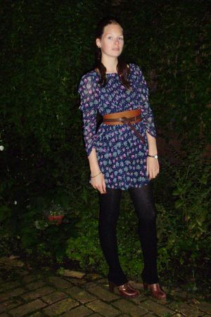 blue Zara jumper - brown reno shoes - brown NY belt - black unknown tights