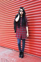 red cotton H&M shirt - black H&M boots - blue denim Levis jeans