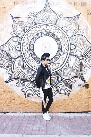 black cut out Levis jeans - black faux leather unknown jacket