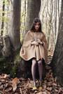 Dark-brown-longchamp-bag-mustard-chloe-heels-tan-personal-creation-cape