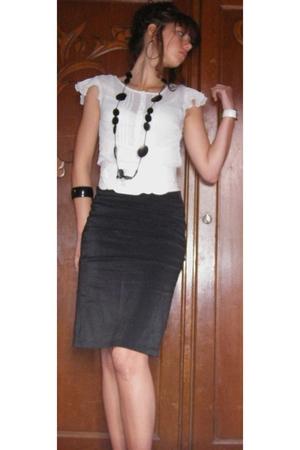 Pimkie blouse - La halle skirt - mim accessories - mim bracelet - jennyfer earri