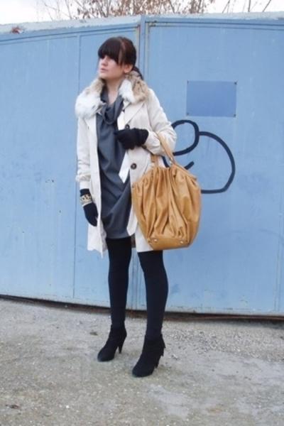 Zara dress - H&M coat - Zara purse - Zara shoes - H&M gloves - Juicy Couture bra