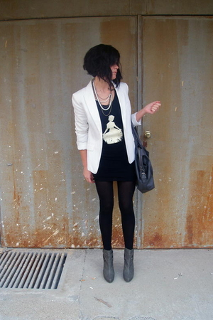 gray Stradivarius shoes - white H&M blazer - gray Zara purse