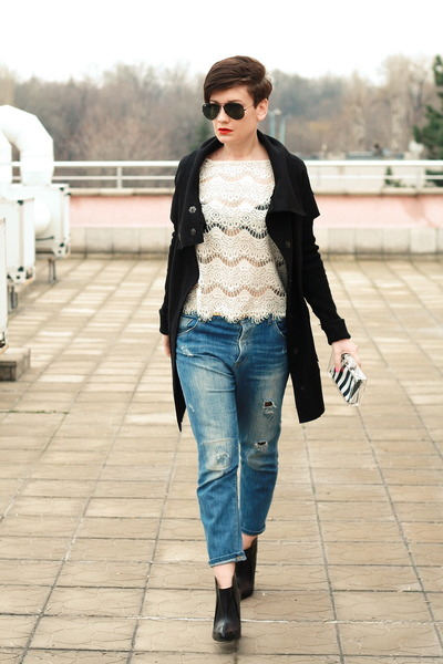white Zara top - blue Zara jeans