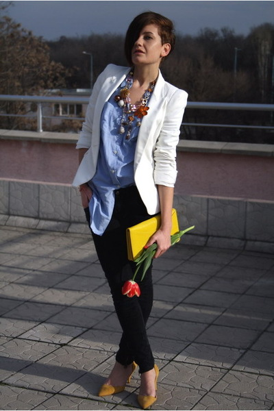 http://images2.chictopia.com/photos/Frickys/9641405563/zara-shoes-zara-jeans-zara-blazer-mango-shirt-h-m-bag_400.jpg