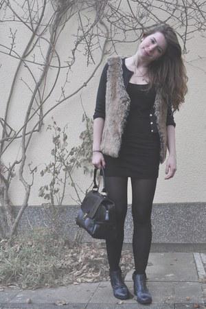 fake-fur c&a vest