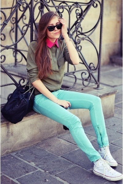 aquamarine New Yorker jeans - white shoes - heather gray We Love Colors jacket