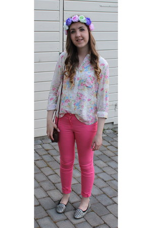 flower H&M hair accessory - hot pink H&M jeans - crimson second hand bag