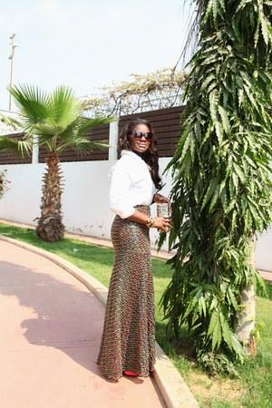 bronze virgos lounge skirt - white DKNY shirt - camel Aldo purse