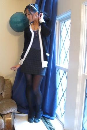 Express skirt - f21 sweater