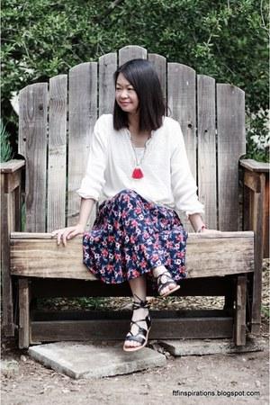 hollister necklace - Old Navy sandals - hollister skirt - hollister blouse