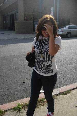 Forever21 shirt - Forever21 jeans - H&M necklace - Vans shoes