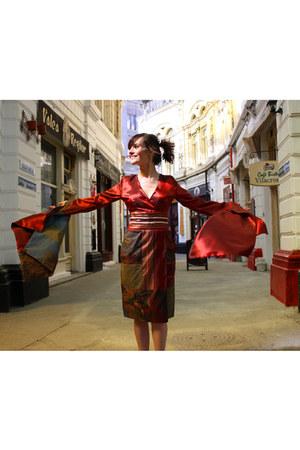 crimson Cernei dress