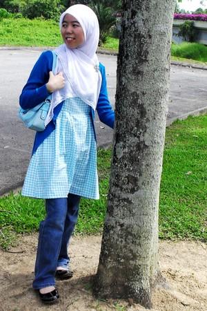 blue unbranded cardigan - sky blue vintage vogue blouse - black Primavera shoes